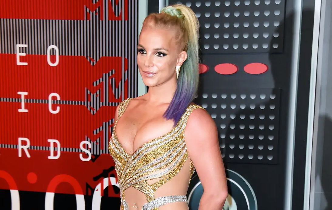 Britney Spears Wants Father to Step Down From Conservatorship