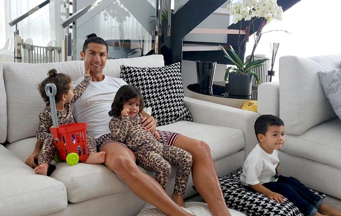 Cristiano Ronaldo with his kids
