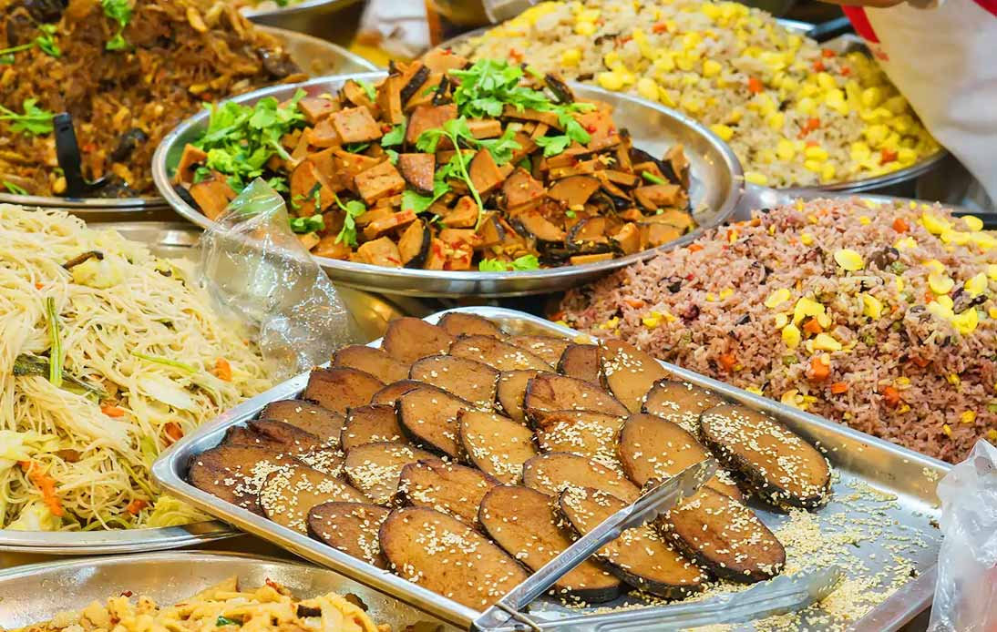 Many choices of foods during the vegetarian festival