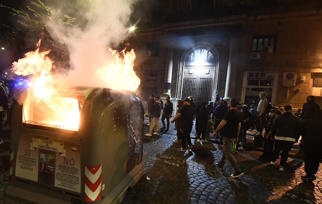 Protesters burn down the public asset in Naples, Italy
