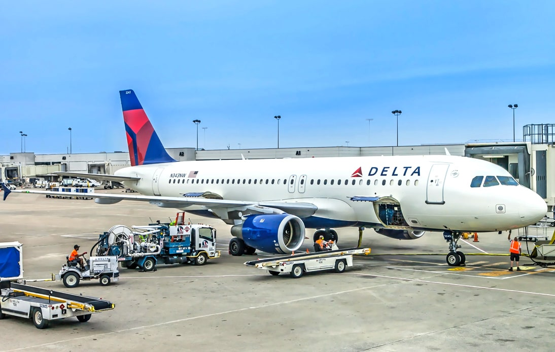 Delta Passengers Open Door and Slide Out of Moving Plane
