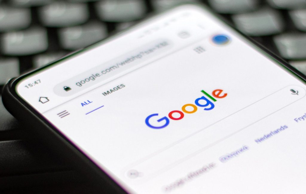 Google Threatens To Shut Down Search Engine in Australia