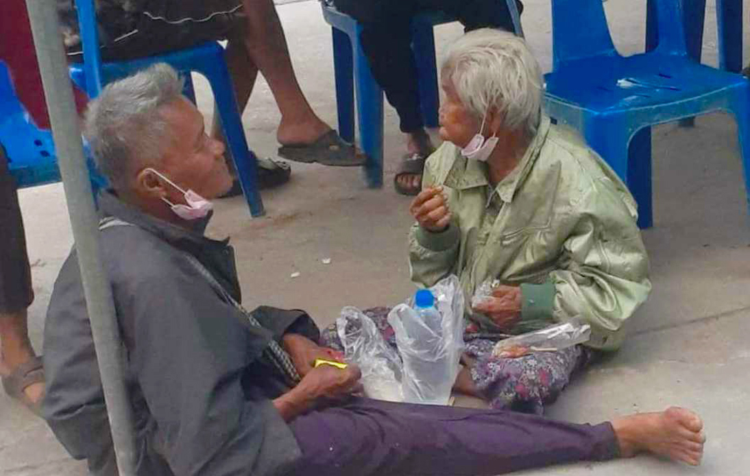 Elderly Mother and Son Receive Millions of Baht in Donations