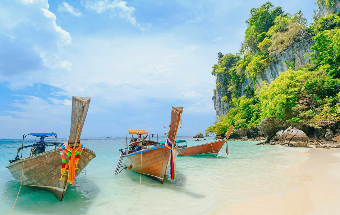 Phuket To Receive Vaccinated Foreign Tourists Starting July 1