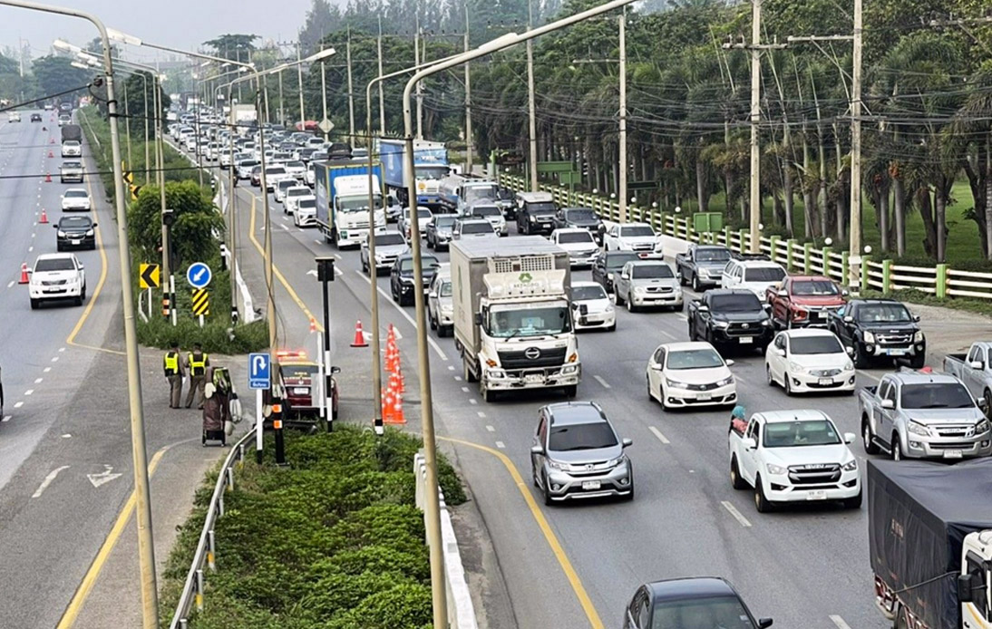 Heavy Traffic on First Day of the Songkran Holidays