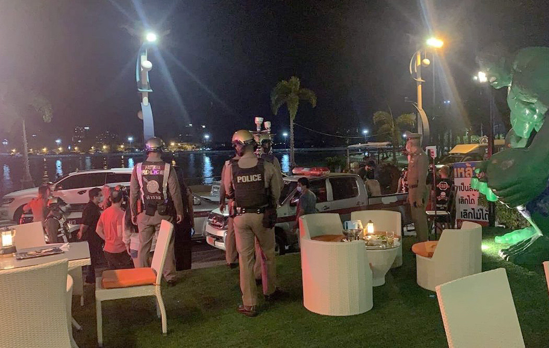 32 Arrested at Restaurant in Pattaya for Violating No-Alcohol Restrictions