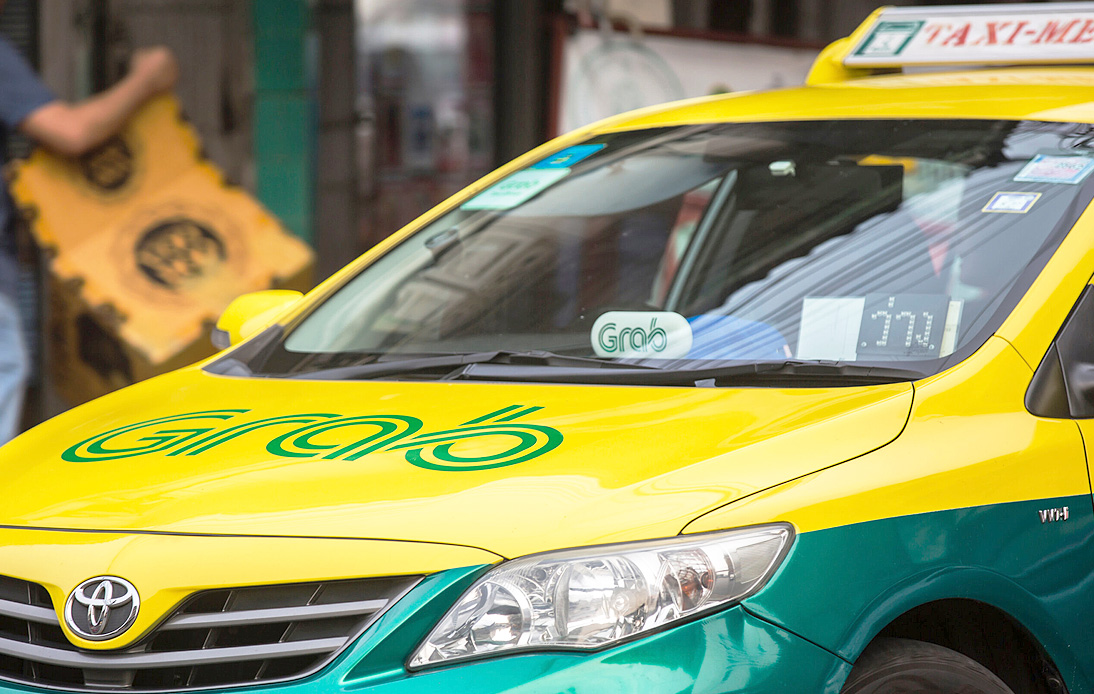 Government Approves Rule on Personal Vehicles Use, Making GrabCar Legal