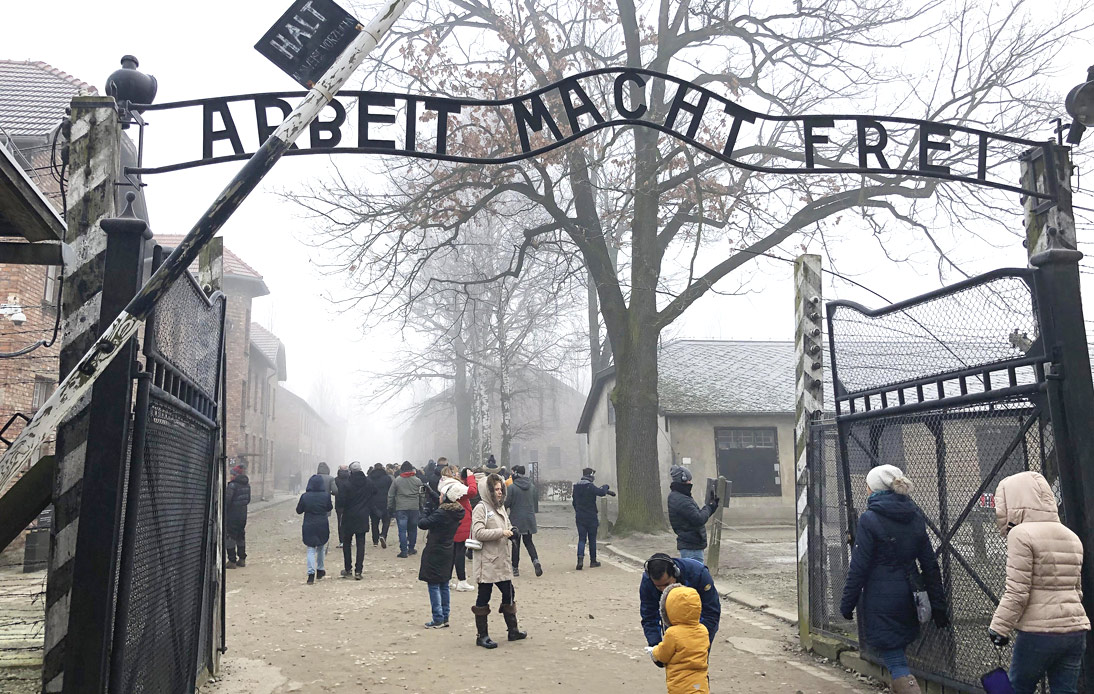 Insensitive Auschwitz Review Sees TripAdvisor Apologise