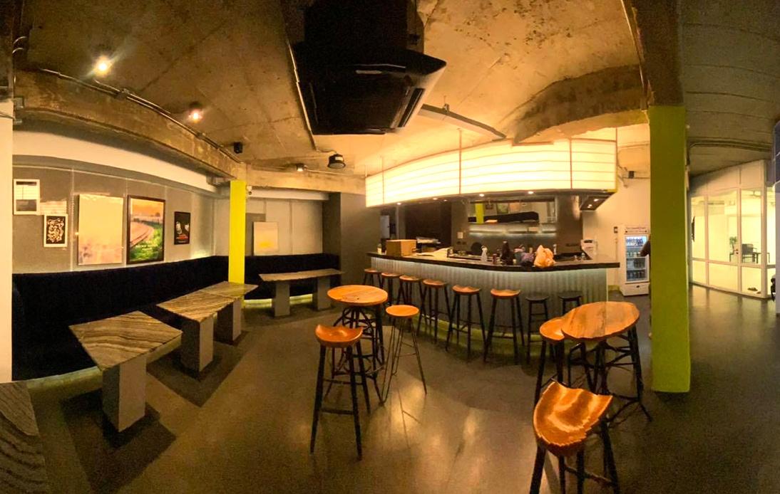 """""""Doc Club & Pub"""" Photo Brings Hope to Bangkok's Film Buffs"""