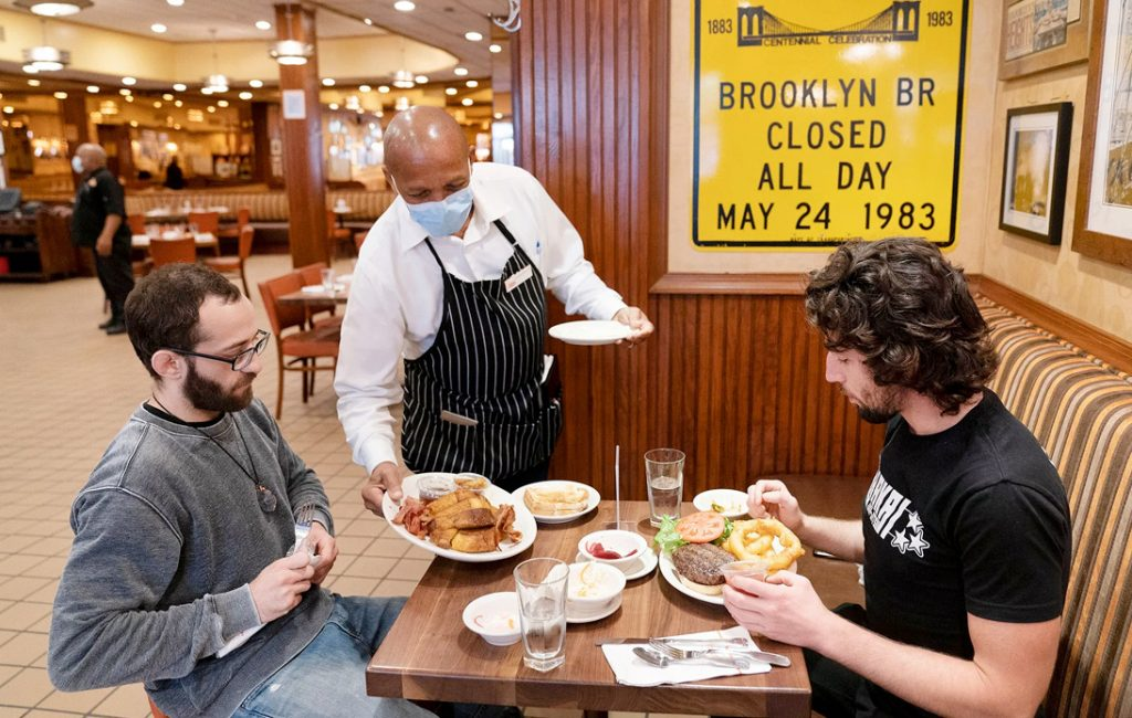 New York Restaurant Customers Will Need To Be Vaccinated