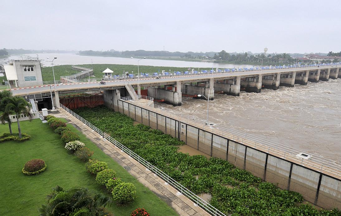 Bangkok and 11 Further Provinces On Alert Over Flood Risk